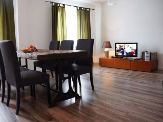 M7 apartment in Stare Miasto with WiFi & airconditioning., Varsovia