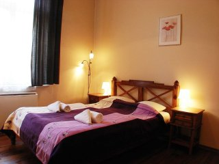 Grand apartment in Kazimierz with WiFi & lift.