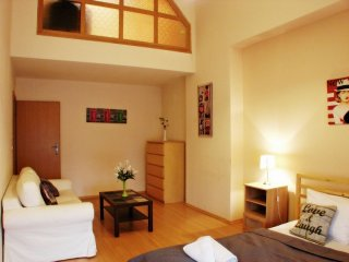 Big City Life apartment in Stare Miasto with WiFi., Krakow