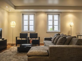 Spacious Duque Misericordia II apartment in Baixa/Chiado with WiFi