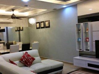 D'Fareez Homestay, Perjiranan 11, Bandar Dato Onn, Johor Bahru, Taman Molek