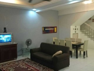Putrajaya Cyberjaya Raisya Homestay