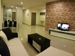 E Home Luxurious B-21-15