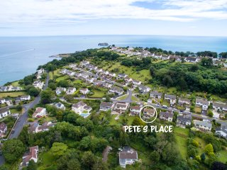 Pete's Place in Torquay - A Quirky Home near Meadfoot Beach!