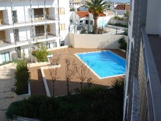 Tavira Centre 2 Bed 3 Bath, Pool, Air Con and WiFi