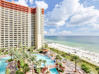 1 BR w/ Bunks  - Gulf Front in Popular Resort! Free Tickets to attractions!!, Panama City Beach