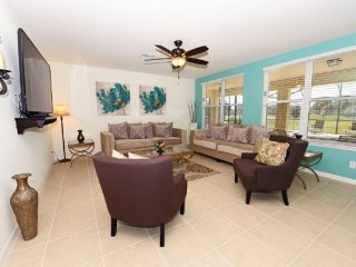 7 Bedroom 6 Bath Pool Home in Gated Community Near Disney. 945SP, Davenport
