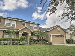 NEW! Gorgeous 5BR Ocoee House w/Pool Access!