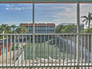 NEW! 'Pelican Cove' 2BR Bradenton Beachside Condo!
