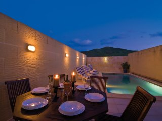 Newly Built 5 Bedroom, South Facing Villa