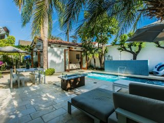 Find Paradise in LA! Modern Villa with Pool & Spa!