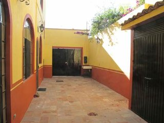 Beautiful Spacious 1 Bedroom Apartment in Centro, El Santuario