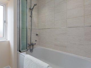 Main bathroom - detail