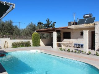 Villa in Crete with Pool & FREE Car with 7 Seats, Vryses