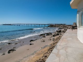 Vintage Ventura Seaside Cottage - Prime Surfing Spot Steps Away