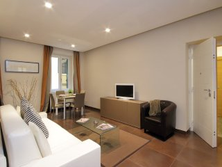 COLOSSEO GARDENS Two Bedroom 6 Guests