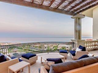 3 BD Oceanfront Ulta Luxe Penthouse Huge Balconies