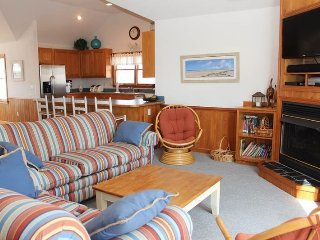 Whalehead 5br 5 bath Oceanside w/Pool Sleeps 12, Corolla