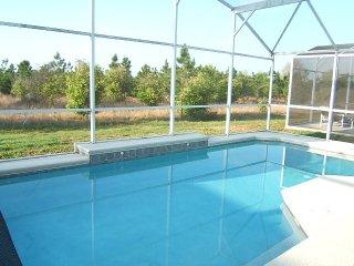 SOUTH Pool w/ Privacy Gated 4BR/3BA 3-mile Disney, Davenport