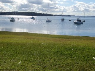 Lakefront Simplicity Lakefront Simplicity 2 nights, Lake Macquarie