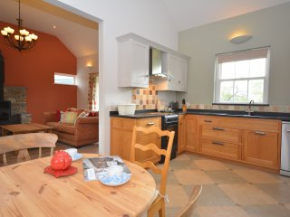 43978 Bungalow in Whitland, Llanddowror