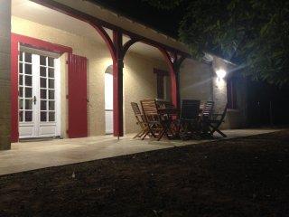 Maison de Campagne 10 personnes, piscine, jardin, Rouffignac-Saint-Cernin-de-Reilhac