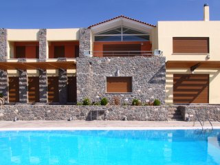 Zefi's Villa with Private Pool near Aegina town,