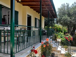 Luxury Seaside Aprt for 6-7p. 60met from the beach, Agios Gordios
