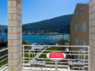 Apts Pralas- Studio with Balcony and Sea View- 2, Mokosica