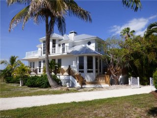 3 bed villa  on Useppa Island with private boat, Cape Coral