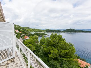 Apartments Marija- Two-Bedroom Apartment with Balcony and Sea View