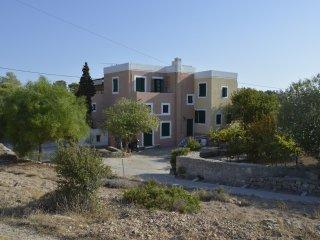 Aegina Island Holiday Flat by Sea Sleeps 4, Aegina Town