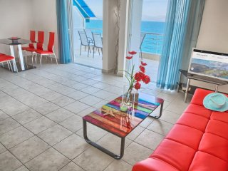 Kiveri Apartments - Two Bedroom SeaView Apartment