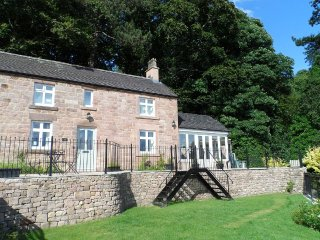 Peak District cottage with great views, Matlock Bath