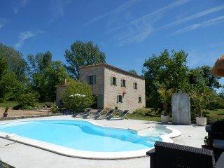 LOCATION GITE LE MOULIN DE JOUVENCE 8 PERSONNES, Montalzat