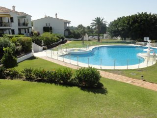 Modern 2 bed apt near El Paraiso Golf