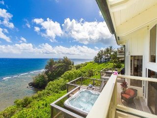 Spectacular Ocean Bluff Home in Princeville!! Panoramic ocean views!!