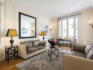 Invalides / Saint Germain Luxury Two Bedroom