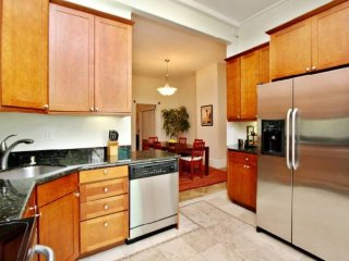 BEAUTIFULLY FURNISHED 2 BEDROOM APARTMENT, Forest Knolls