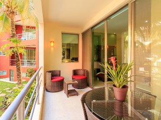 Condo Capri Alba, just 1 block from 5th Avenue!