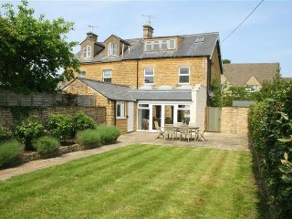 Kimkeri. A family house in the heart of Bourton on the Water, Cotswolds