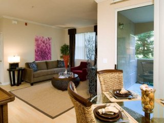 BEAUTIFULLY FURNISHED 3 BEDROOM, 3 BATHROOM LUXURY APARTMENT, Dublin
