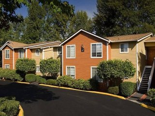 Elegant 1 Bedroom Apartment, Redmond