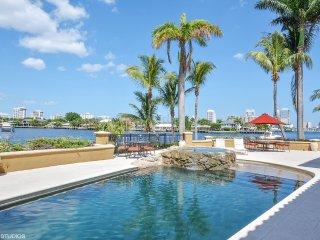 6 bedroom sleeps 14 on water, Fort Lauderdale