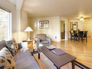 Spacious 2 Bedroom Apartment, Bellevue