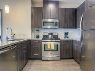Furnished 2-Bedroom Apartment at W Wilson Ave & N Orange St Glendale