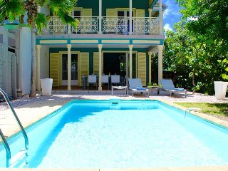 Villa Esther, ideal location on Orient Bay beach