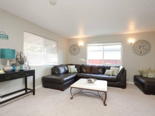 SPACIOUS 3 BEDROOM APARTMENT, Sunnyvale
