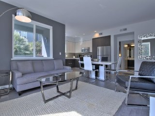 Furnished 2-Bedroom Apartment at River Oaks Pkwy & Iron Point Dr San Jose, San José