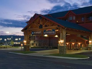 Wyndham Vacation Resorts Great Smokies 2Bdrm Dlx, Sevierville